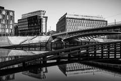 Kronprinzenbrücke 2 (REAL PLUS) Tags: berlin stadt stadtlandschaft stadterkundung nikon d7200 deutschland hauptstadt architektur landschaft sonnenuntergang reflexionen langzeitbelichtung