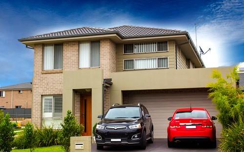 10 Thomas Hassall Avenue, Middleton Grange NSW