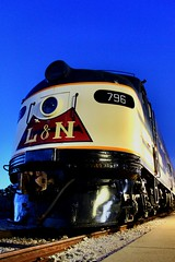 796 and the Golden Hour (Laurence's Pictures) Tags: bowling green historic railroad park louisville nashville e8a emd passenger locomotive museum engine transportation streamliner stream line tourist activities golden hour
