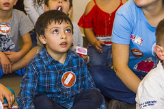 Paying attention (Alvimann) Tags: alvimann birthday cumpleaños cumple birth day age aging kid kids niño niños son hijo male hombrecito hombre expresion expression expresivo expresiones expressions expressive express expresar expresarse