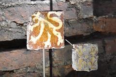 Tegeltjes (zaqina) Tags: archeologie archeologische vondsten scherven domunder domplein dom utrecht
