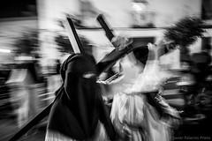 Jueves santo madrugá, Jerez (Javier Palacios Prieto) Tags: penitente nazareno cruz semana santa easter spain christian catholic church procesión calle street night