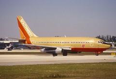 11et - Southwest Airlines Boeing 737-200; N91SW@FLL;30.01.1998 (Aero Icarus) Tags: fortlauderdalehollywoodinternationalairport fll florida slidescan plane avion aircraft flugzeug southwestairlines boeing737200 n91sw