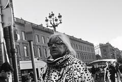 (www.behance.net/louisedecours) Tags: canon art photography 35mm people portrait blackandwhite bw black white monochrome street streetphotography streetphoto streetportrait streetscene lamp lady stilllife everydaylife youngphotographer urbanexploration publicspace explore grain city toulouse france 2017