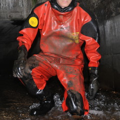 Viking-Kanal1646 (Kanalgummi) Tags: underground sewer exploration rubber drysuit trockenanzug gummianzug worker égoutier kanalarbeiter diver taucher