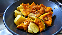 Air fryer/oven cooking (Sandy Austin) Tags: panasoniclumixdmcfz70 sandyaustin auckland westauckland northisland newzealand food potato pumpkin roasting airfryer oven