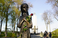 Famine monument in Kiev (ffagency.com) Tags: kiev famine ukraine