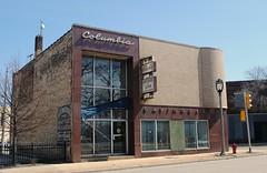 Columbia Savings & Loan, Milwaukee (Cragin Spring) Tags: wisconsin wi midwest unitedstates usa unitedstatesofamerica building architecture oldbuilding bank milwaukee milwaukeewi milwaukeewisconsin columbiasavingsloan