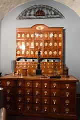 Heidelberg, Apothekenmuseum (wimjee) Tags: nikond7200 d7200 heidelberg duitsland germany museum apotheek pharmacy nikkorvr1855f3556g schlossheidelberg chemie chemistry