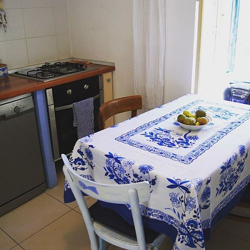 Enjoy cooking organic Mediterranean food in fully-equipped kitchen! #familyvacay #familyvacation #ugljanisland #ugljan #zadar_region #adriaticsea #mediterraneanfood #mediterranean #croatia #food #familydinner #tourist #summertime #croatiafulloflife #croaz