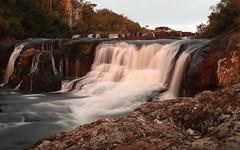 Cascata dos Venâncios (João Ebone) Tags: cascata cachoeira queda dagua sol luz entardecer pedra rio