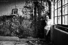 Strax (Jehan Jessel) Tags: alsace abandonedplaces abandonedplace 35mm urbex lumièrenaturelle girl fille women modèle modele portrait lovely woman monochrome photo pretty cliniquedessources sensuelle sexy 5dii 5d mark ii canon5dii canon femme france frenchgirl girlwithtatoo hautrhin jehanjesselphotographies blackandwhite wall bnw belle beautifull beauty beauté naturallight naturelle windows