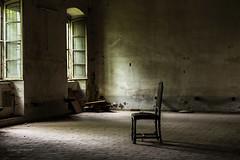 L'attesa (iLaura_) Tags: attesa abandonedbuilding urbex sedia chair