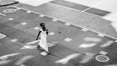 Long Street, Cape Town, South Africa, April 2017 (Bilderschachtel Photography) Tags: monochrome minimalism minimal citylife city contrast capetown flickr fujifilm fuji bw blackandwhite blackwhite street streetphotography strasenfotografie streetlife schwarzweiss woman walk lady people candid dress road pedestrian white south africa walking stride
