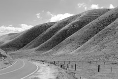 Carrizzo (Cassadota) Tags: bw road carrizzo carrizzoplains california highway hills contrast roadtrip country light landscape blackandwhite outside bnw