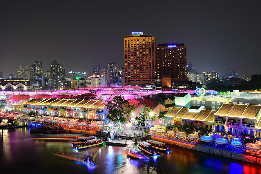 Clarke Quay in Singapore is packed with restaurants and cafes