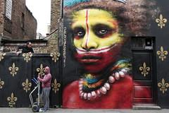 Keep it simple... (Emmanuelle2Aime2Ailes) Tags: londres london eastend peinturemurale scènederue