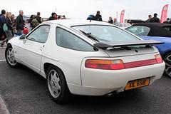 XIL 6518 (2) (Nivek.Old.Gold) Tags: 1988 porsche 928 s4 auto 4957cc