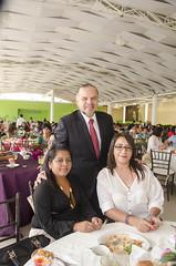 Germán Cervantes, titular del #IEEPO, reconoció la labor que realizan las madres como personal de apoyo a la educación y como jefas de familia #DíaDeLasMadres