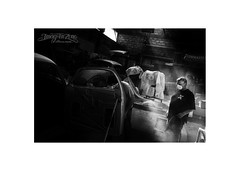 paint in the lights (Emmanuel DEPARIS) Tags: emmanuel deparis fuji xt1 black white garage lumières peinture car voiture chevrolet 1946