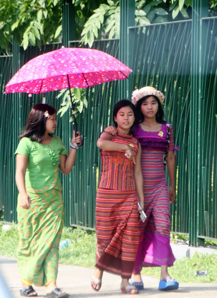 The Worlds Best Photos Of Legs And Myanmar - Flickr Hive Mind-4216