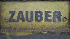 Schmutziger Zauber … (Pascal Volk) Tags: berlin althohenschönhausen landsbergerallee berlinlichtenberg sonydscrx100