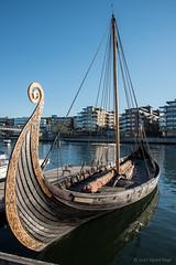 Saga Oserberg (Sigurd R) Tags: bluesky boat clearsky longboat norge norway replica replika sagaoserberg ship spring sunny tonsberg tønsberg viking vikingskip vestfold no