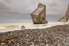 Bunker [FR] (ta92310) Tags: 2017 normandie europe france travel normandy wide falaises cliff spring printemps quiberville 76 seinemaritime cloudy nuage longexposure nd8 canon 6d bunker