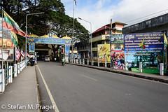 723-Mya-Tachilek-003.jpg (stefan m. prager) Tags: tachilek asien myanmar grenze zoll personenüberprüfung thailand tachileik tambonmaesai changwatchiangrai th