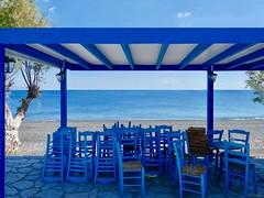Kamari beach - Santorini (Frans Schmit) Tags: zee sea mediterranian middellandsezee santorini griekenland greece blauw blue kamari