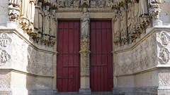 Amiens Cathedral, right portal trumeau