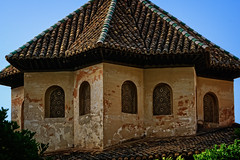 Hall of the Abencerrajes (Tiigra) Tags: granada andalucía spain es 2015 architecture carving lattice ornament palace repetition roof window arch
