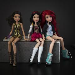 Disney's Girls (dancingmorgana) Tags: disney doll dolls ariel snow white snowwhite hybrid head body everafterhigh ever after high vip vipdolls fairytales mermaid