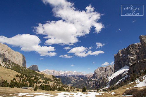 """Passo Gardena • <a style=""""font-size:0.8em;"""" href=""""http://www.flickr.com/photos/104879414@N07/34030185550/"""" target=""""_blank"""">View on Flickr</a>"""