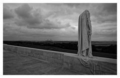 The ghost (Guillaume DELEBARRE (Guigui-Lille)) Tags: statue blackandwhite bw noiretblanc nb sadness mood atmosphere monochrome artois vimy pasdecalais france nord canoneos6d canadianmemorial 19141918 1stworldwar tamron2470f28
