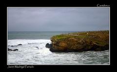 Esperando una nueva embestida. (jmadrigal09) Tags: jmadrigal mar sea cantábrico playadelascatedrales paisaje landscape marina