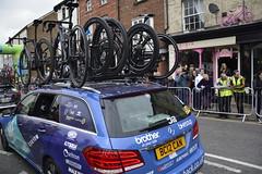 Tour De Yorkshire Stage 2 (650) (rs1979) Tags: tourdeyorkshire yorkshire cyclerace cycling teamcar teamcars tourdeyorkshire2017 tourdeyorkshire2017stage2 stage2 knaresborough harrogate nidderdale niddgorge northyorkshire highstreet