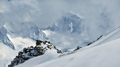 Zillertaler Alpen - Tirol - Austria (Felina Photography - www.mountainphotography.eu) Tags: zillertal snow schnee neve sneeuw austria österreich hintertux ski sci skiing view vista piste slope montagna mountain alps alpi alpen fog clouds tux