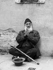The prayer (Franco & Lia) Tags: street fotografiadistrada photographiederue veneto venezia venice prayer preghiera biancoenero blackandwhite noiretblanc