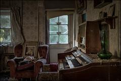 Abandoned house (ducatidave60) Tags: fuji fujifilm fujinonxf23mmf14 fujixt1 abandoned decay dereliction urbex urbandecay