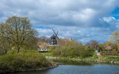 Malmö (02) (Vlado Ferenčić) Tags: malmö sweden citiestowns cities europe švedska cityscape cloudy clouds vladoferencic vladimirferencic nikond600 nikkor357028 windmill