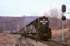 NW 1715-UP 2487-2805-914, GR12, Chaintown, PA. 4-10-1982 (jackdk) Tags: train railroad railway locomotive emd emdsd45 sd45 nw norfolkwestern grain graintrain chaintown chaintownpa pwv signal signals gr12 highhood standardcab