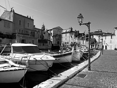 DSC00702_ (douaystephane) Tags: martigues petitevenise noir blanc dense port provence sud france