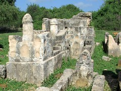 Tombs of the Kilwa Sultans