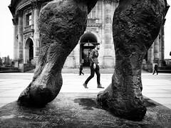 Through the Legs (Hans-Jörg Aleff) Tags: berlin blackwhite streetphotography throughthelegs deutschland