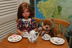 New coffee pot and a huge thank you (Little little mouse) Tags: tanlaryssa kayewiggs tansy bjd dollfie wedgwood miniaturewildstrawberrydesignwedgwood thankyou homemadedress