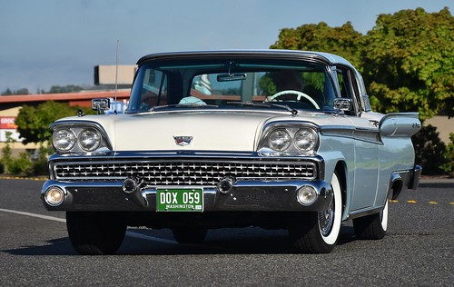 1959 Ford Fairlane 500 Skyliner - a photo on Flickriver