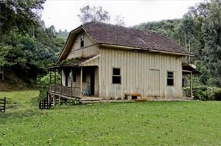 Antiga e linda casa rural  //  Ancient and beautiful country house