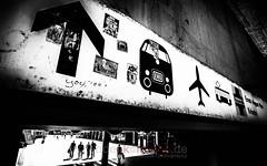 straight ahead (blende9komma6) Tags: hannover downtown straight ahead germany nikon d7100 urban bw sw street train plane cart eisenbahn flughafen direction richtung sign wegweiser signpost bundesbahn