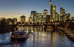 Skyline Frankfurt (EOS1DsIII) Tags: eos1dsiii deutschland germany frankfurt city skyline main mainriver ship water wasser reflektieren hochhäuser building brücke bridge abend elitegalleryaoi bestcapturesaoi aoi